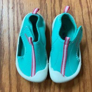 Speedo water shoes